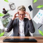 žena s brýlemi se drží za hlavu a pokouší se o multitasking